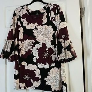 beautiful floral blouse with details of small gems